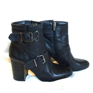VINCE CAMUTO | 8.5M SIMLEE BOOTIES BLACK LEATHER